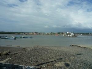 Blick-auf-das-Festland-Muisne-Praktikum-Freiwillige-Freiwilligendienst-HilfevorOrt-Ecuador-Strand