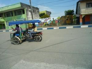 Fortbewegung-Triciclos-Trimotos-Muisne-Praktikum-Freiwillige-Freiwilligendienst-HilfevorOrt-Ecuador-Strand