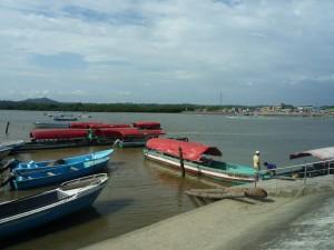 Lanchas-Muisne-Praktikum-Freiwillige-Freiwilligendienst-HilfevorOrt-Ecuador-Strand