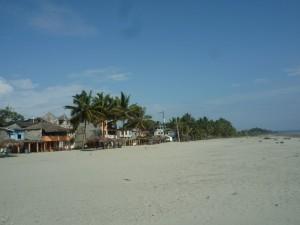schoener-Tag-Muisne-Praktikum-Freiwillige-Freiwilligendienst-HilfevorOrt-Ecuador-Strand