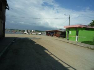 zumFestland-Muisne-Praktikum-Freiwillige-Freiwilligendienst-HilfevorOrt-Ecuador-Strand
