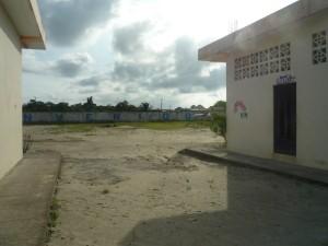 Eingang-Institut-Muisne-Freiwilligenprogramm-Volunteer-Praktikum-Ecuador