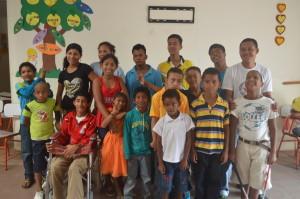 Gruppenbild-Institut-Institut-Muisne-Freiwilligenprogramm-Volunteer-Praktikum-Ecuador