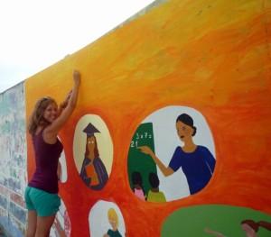 Laura-mural-freiwilligenarbeit-Muisne-Praktikum-Freiwillige-Freiwilligendienst-HilfevorOrt-Ecuador-Strand