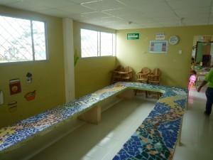 Tisch-seit-2006-Institut-Muisne-Freiwilligenprogramm-Volunteer-Praktikum-Ecuador