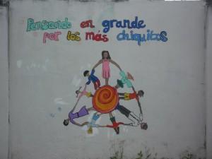 Wandbemalung-Kindergarten-Institut-Muisne-Freiwilligenprogramm-Volunteer-Praktikum-Ecuador