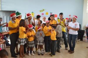 Weihnachtsfeier-Institut-Muisne-Freiwilligenprogramm-Volunteer-Praktikum-Ecuador