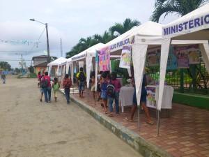 dia-de-la-no-violencia-Muisne-Praktikum-Freiwillige-Freiwilligendienst-HilfevorOrt-Ecuador-Strand