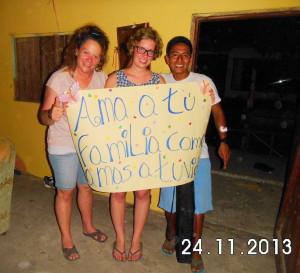 dia-de-la-no-violenciaII-Muisne-Praktikum-Freiwillige-Freiwilligendienst-HilfevorOrt-Ecuador-Strand