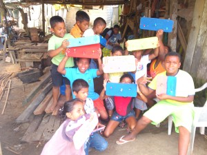 fertige-BretterII-Muisne-Praktikum-Freiwillige-Freiwilligendienst-HilfevorOrt-Ecuador-Strand