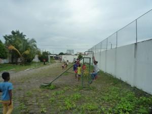 kahle-Waende-Kindergarten-Institut-Muisne-Freiwilligenprogramm-Volunteer-Praktikum-Ecuador