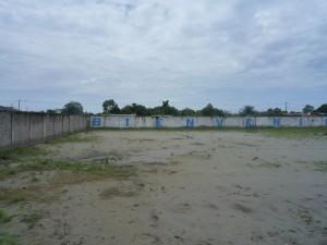 kahler-Innenhof-Institut-Muisne-Freiwilligenprogramm-Volunteer-Praktikum-Ecuador