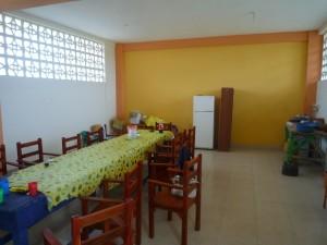 neueStuehle2015-Institut-Muisne-Freiwilligenprogramm-Volunteer-Praktikum-Ecuador