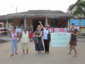 one-billion-Muisne-Praktikum-Freiwillige-Freiwilligendienst-HilfevorOrt-Ecuador-Strand