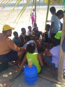 theorie-Schwimmkurs-Muisne-Praktikum-Freiwillige-Freiwilligendienst-HilfevorOrt-Ecuador-Strand
